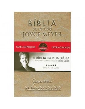 Bíblia de Estudo Joyce Meyer - A Bíblia da Vida Diária - NVI - letra grande - capa luxo dourada. 7898950130235