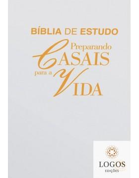 Bíblia de Estudo Preparando...